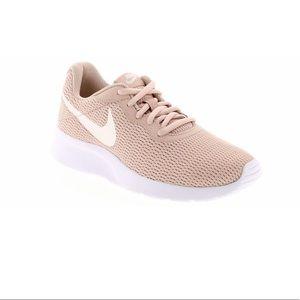 Nike Tanjun Beige